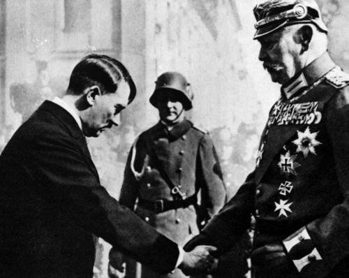 Hitler nommé chancelier par Hindenburg 1933