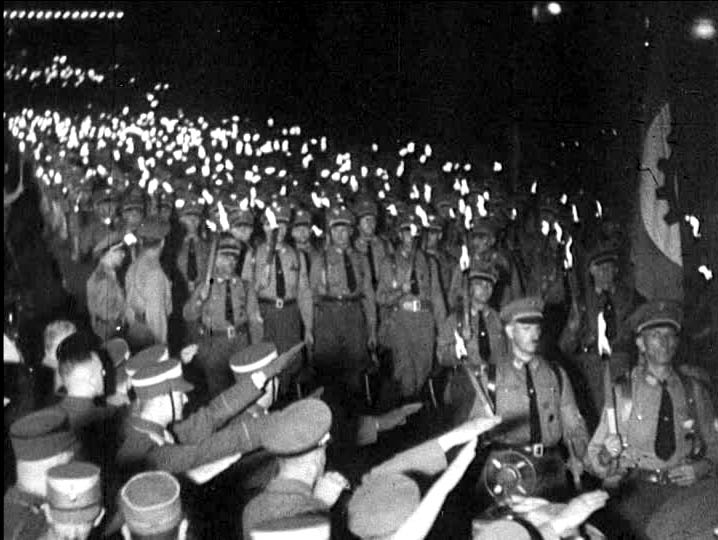procession avec torches SA Berlin 30 janvier 1933