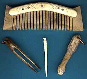 peigne et pince à épiler datant de l'âge viking
