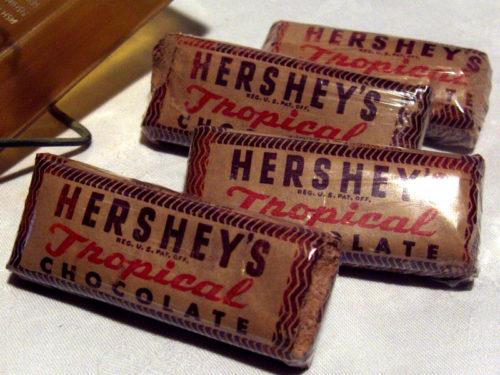 barres chocolatées de la marque Hershey au sein des kits de survie E-17