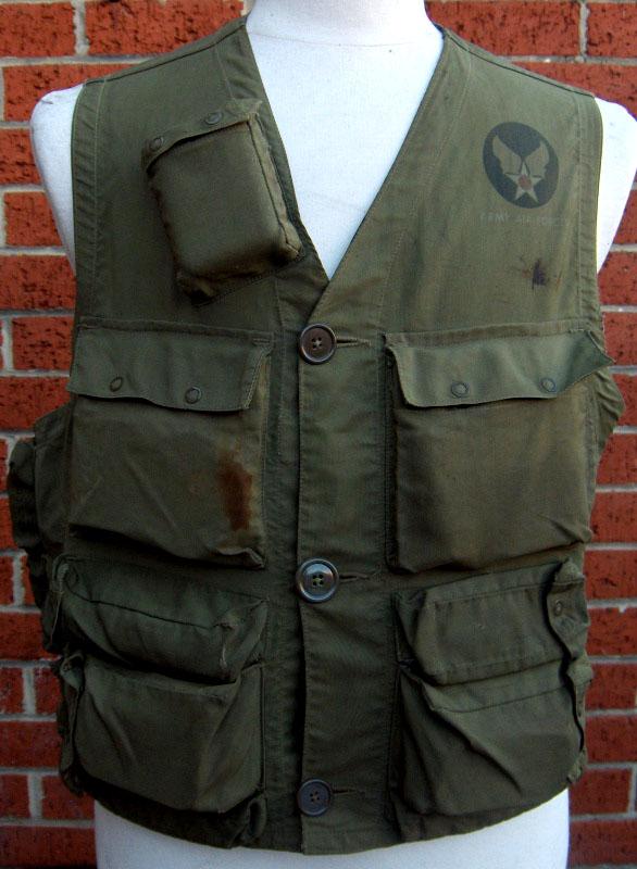 veste de survie C-1 pour les pilotes de l'Army Air Force américaine pendant seconde guerre mondiale
